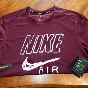 Men's Nike Shirt Size Medium